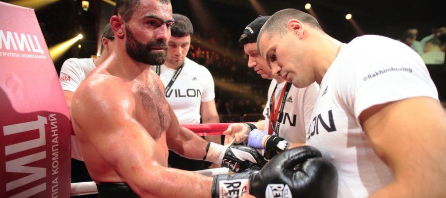 Российский боксер Максим Власов: Лишняя мышечная масса снижает выносливость Чахкиева